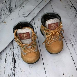 Infant size 4 Timberlands. Great Condition